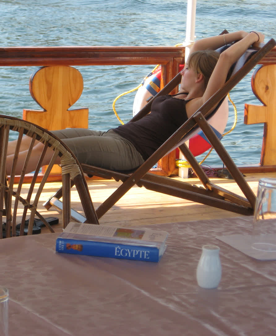 relax_on_nile